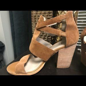 Cora sandal by Hinge size 10M
